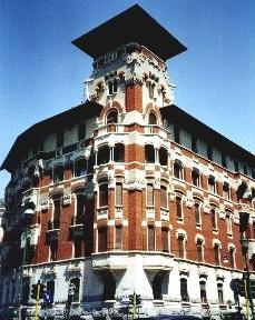 Restauro facciata condominio via C. Del Fante
